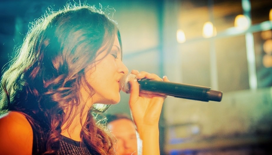 8 tips to sing well on an off day by Holistic Vocal Coach Maruja Retana